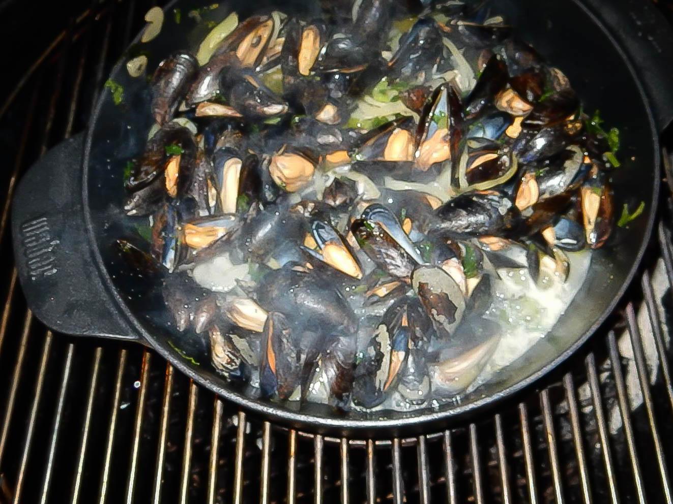 Urthel Saisonière Mussels by Birger Allary