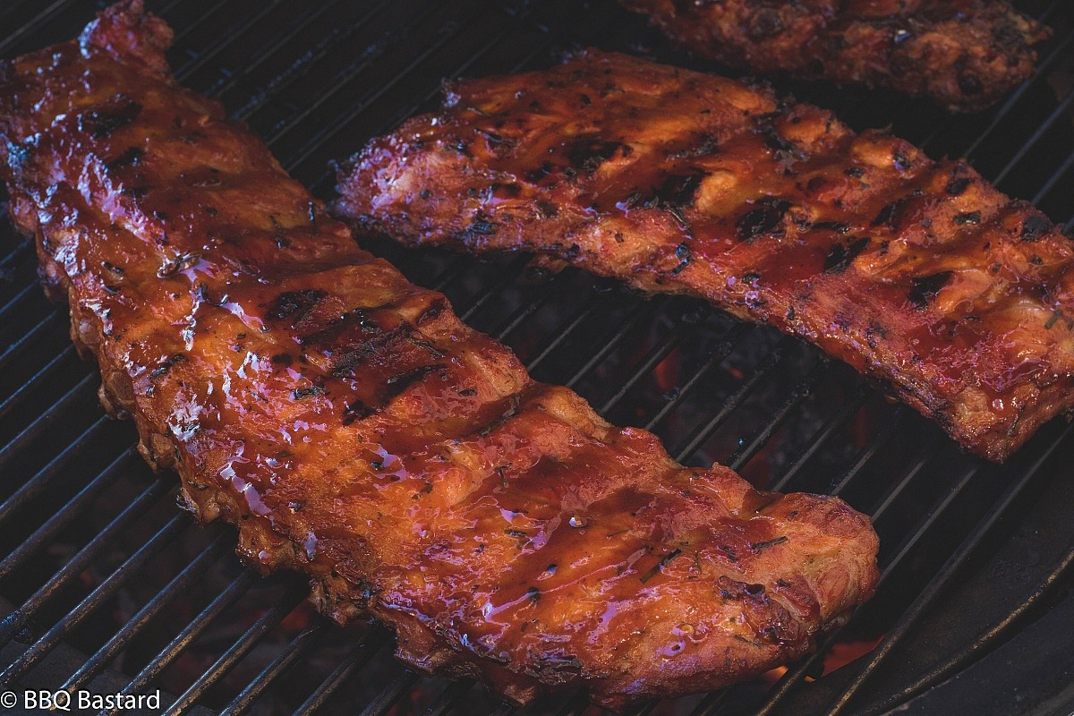 Best Charcoal Grills Under $300 Make A Delicious Smoky