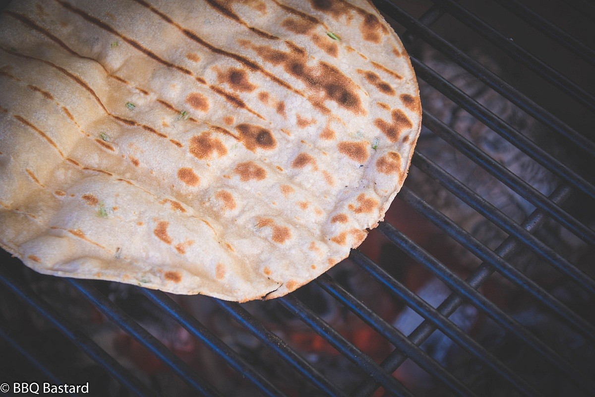 Easy grilled Naan bread-4908