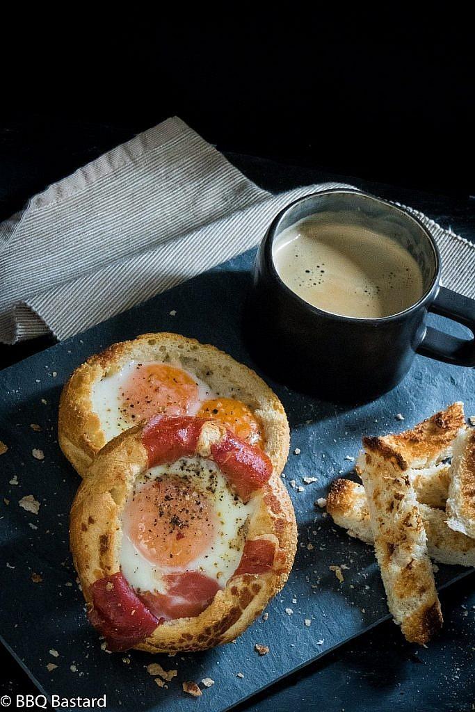 eggs-in-a-bun