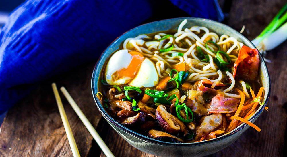 Smokey Momofuku chickensoup – Heavenly Ramen