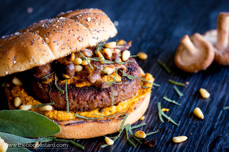 Hamra Harvest Burger – Pumpkin Hummus