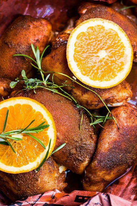 Southern Pulled Chicken. Op lage temperatuur gerookte kip met Poulet roti kruiden en sinaasappel.