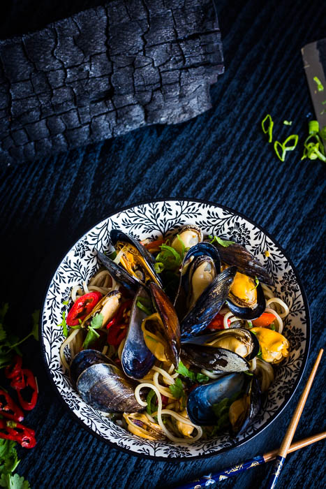 Thai smoked mussels
