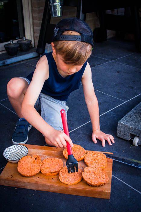 Burger broodje inwrijven