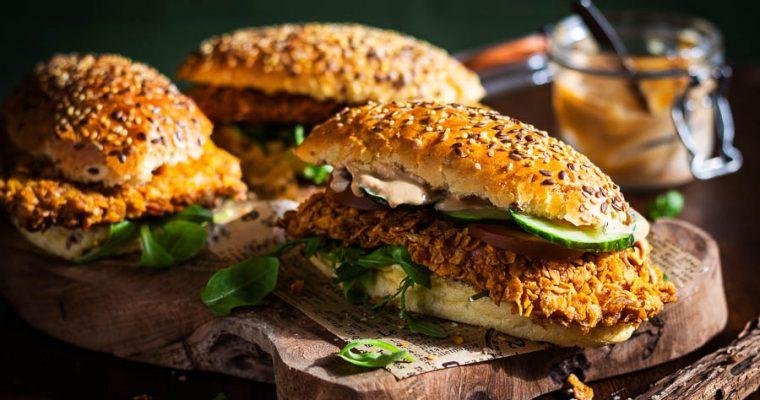 The Messy chef's Krokante Kip-sandwich op de BBQ