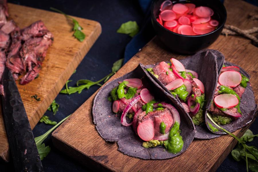 Beef Taco – zure rucola room – Gin-Tsukemono radijsjes