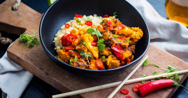 Kip curry met gebrande bloemkool – Dutch Oven