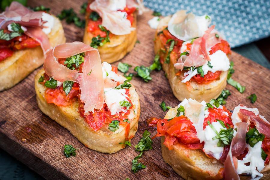 Smoky Bruschetta met tomaat en Prosciutto
