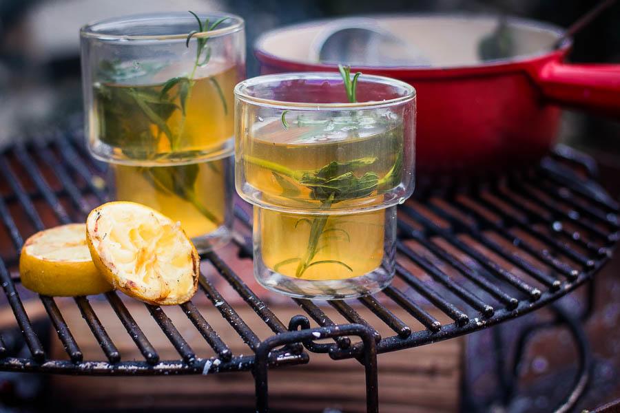 Campfire Hot Toddy met geïnfuseerde rum