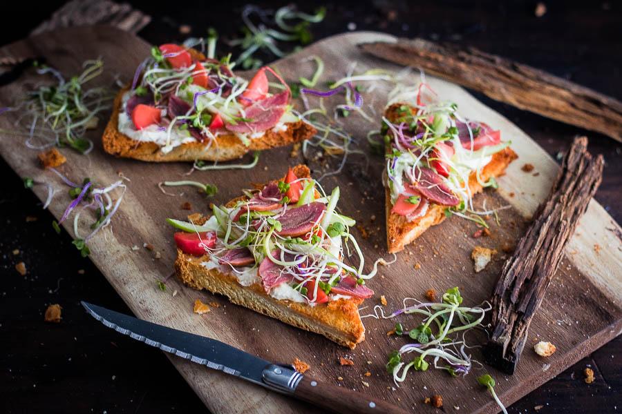 Gerookte varkenswangen Toast – Smoked Pork Cheeks