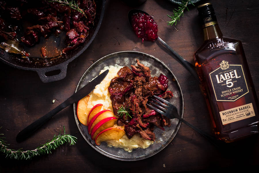 Pulled Venison – Gerookt Hert met een heerlijke winterse saus