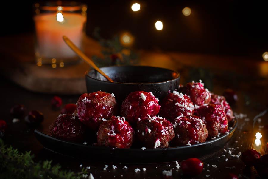 Duck meatballs – eendenballetjes met veenbessensaus