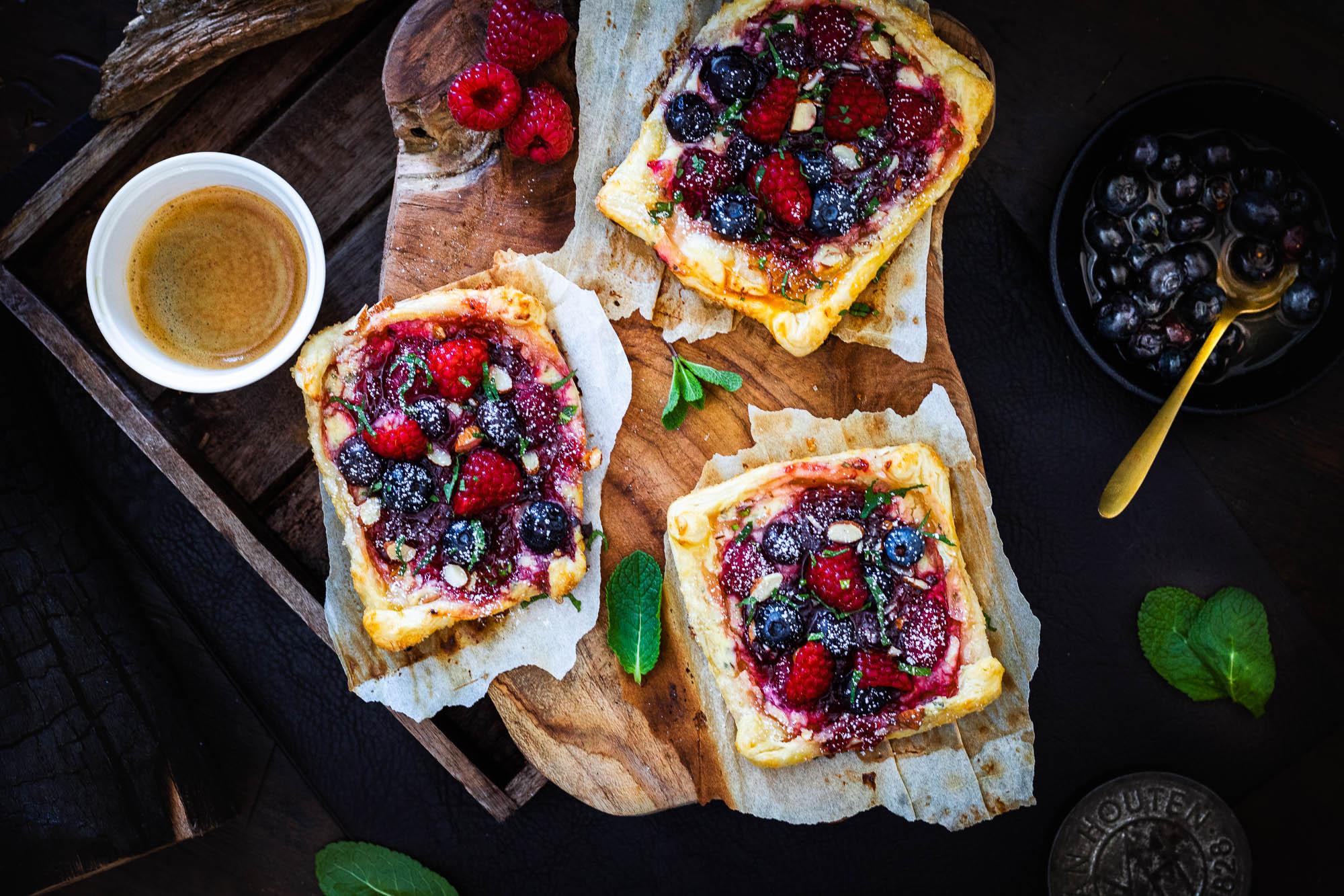 Wienerbrod – Deens roomkaas gebak met rode vruchten