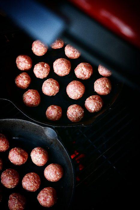 Chili cheddar meatballs