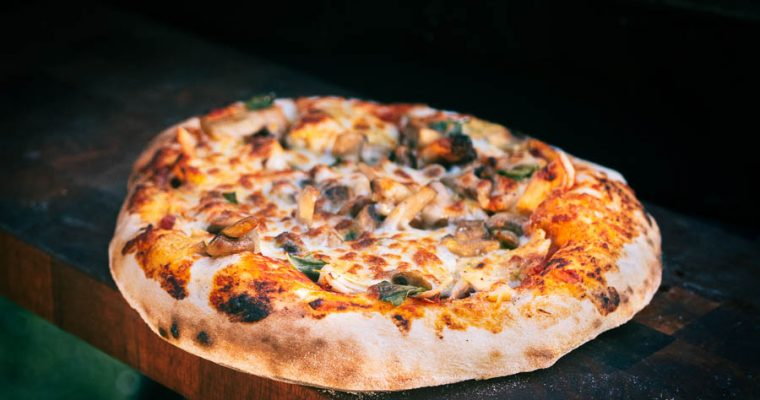 Pizza Pollo e Panna Acida – Pizza met kip en zure room